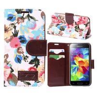Kvetinové puzdro pre mobil Samsung Galaxy S5 mini - biele pozadie