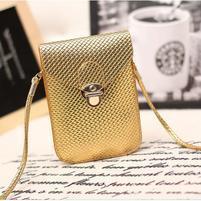 Texture PU kožená taštička s popruhom na mobil do  rozmerov 160 x 78 x 8 mm - zlatá