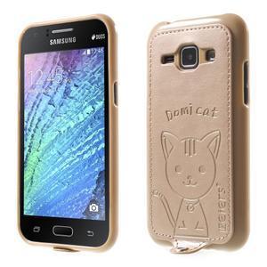 Obal s koženkovým chrbtom a mačičkou Domi pre Samsung Galaxy J1 -  zlatý - 1