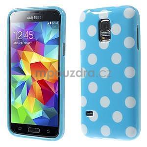 Svetlo modrý puntíkatý gélový obal pre Samsung Galaxy S5 mini - 1