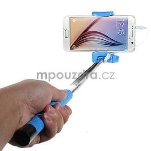 Selfie tyč s automatickým spínačom na rukojeti - svetlo modrá - 1
