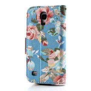 Kvetinkové puzdro pre mobil Samsung Galaxy S4 mini - modré pozadie - 2