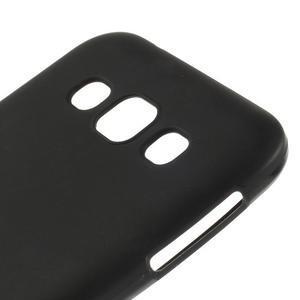 Matný gélový obal na Samsung Galaxy E5 - čierny - 2