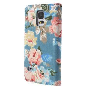 Kvetinové puzdro pre mobil Samsung Galaxy S5 - modré pozadie - 2