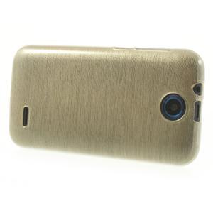 Gélové kartáčované puzdro na HTC Desire 310- zlaté - 3