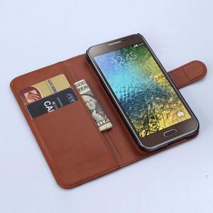 Kožené peňaženkové puzdro na Samsung Galaxy E5 - hnedé - 3