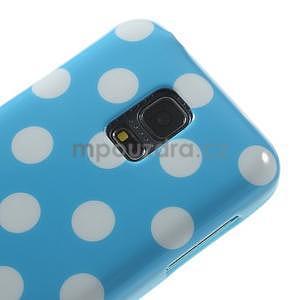 Svetlo modrý puntíkatý gélový obal pre Samsung Galaxy S5 mini - 3