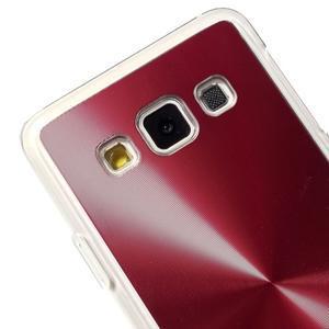 Metalický plastový obal pre Samsung Galaxy A3    - červený - 3