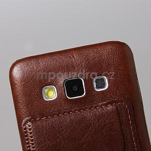 Kožený/plastový kryt se stojánkem na Samsung Galaxy A3 - hnědý - 4