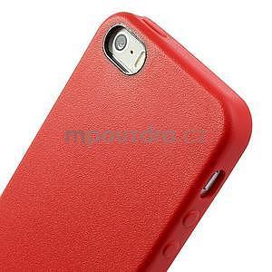 Gélový obal s textúrou na iPhone 5 a 5s - červený - 4
