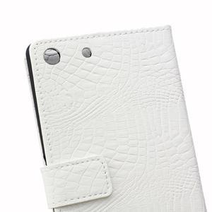Peněženkové pouzdro s texturou krokodýlí kůže na Sony Xperia M5 - bílé - 4