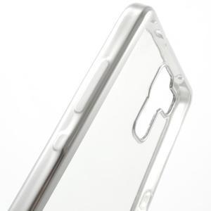 Gelový obal se stříbrným obvodem na Samsung Galaxy J3 (2016) - 4