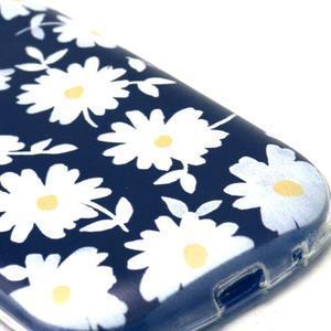 Gloss gelový kryt na Samsung Galaxy S3 mini - sedmikrásky (černé pozadí) - 4