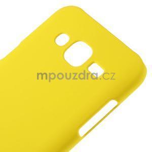 Žlutý pogumovaný plastový kryt na Samsung Galaxy J5 - 4