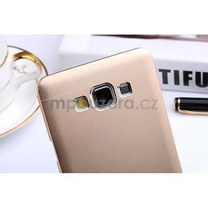 Zlatý kovový kryt na Samsung Galaxy A3 - 4