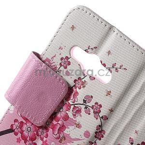 Vzorové peňaženkové puzdro na Samsung Galaxy Xcover 3 - kvitnúca vetvička - 5