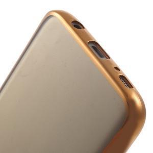 Gelový obal se zlatým rámom pre Samsung Galaxy S7 - 6