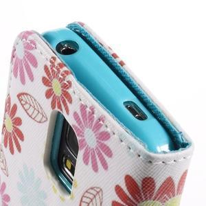 Emotive PU kožené pouzdro na Samsung Galaxy S5 mini - barevné květiny - 7
