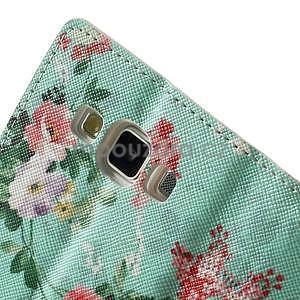 Peňaženkové zapínací puzdro na Samsung Galaxy A5 - kytice - 7