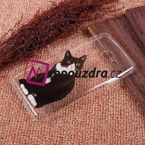 čierny model mačička